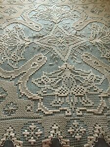 Beautiful-Vintage-Handmade-Filet-Lace-Tablecloth