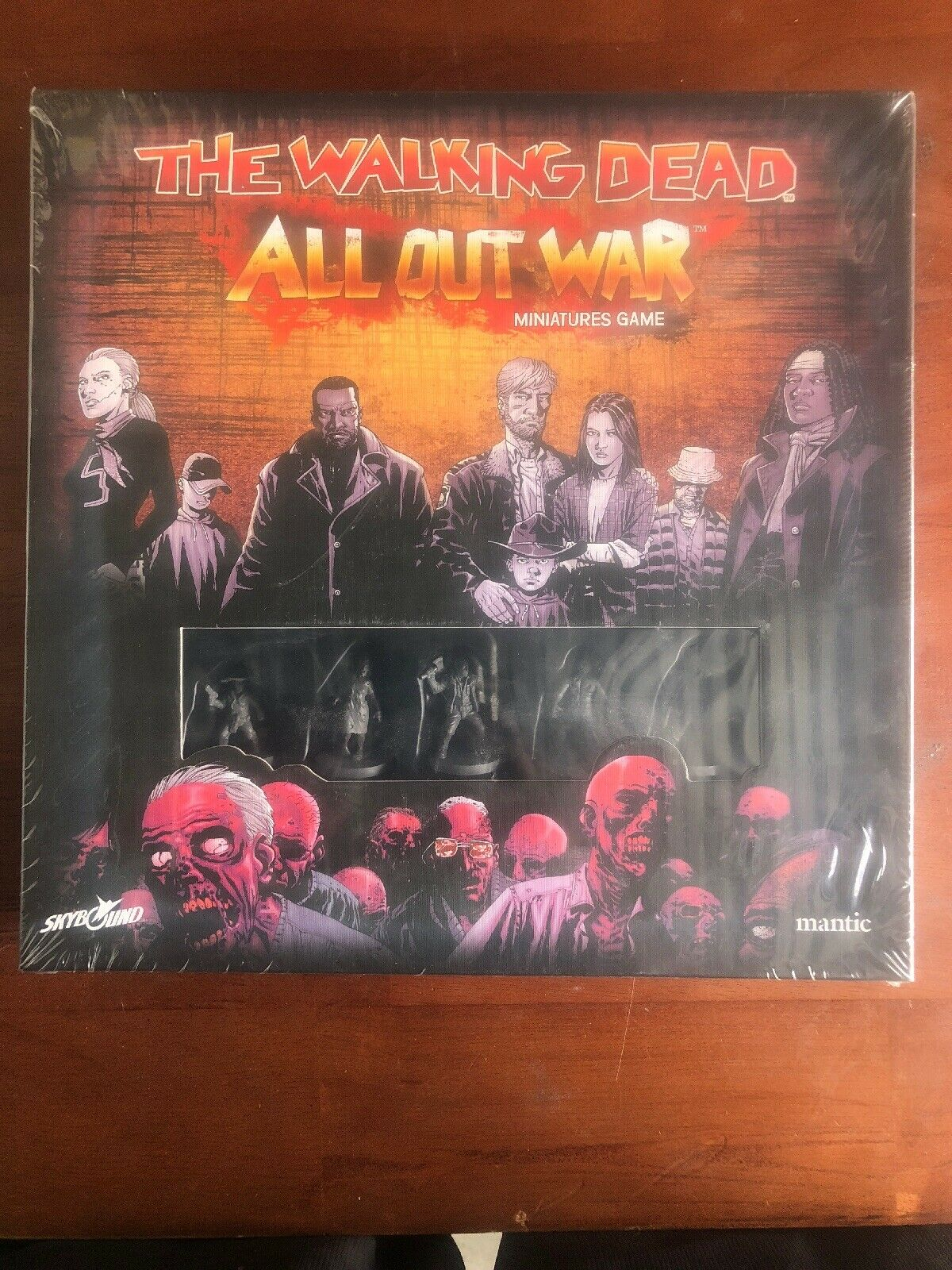 THE WALKING DEAD  ALL OUT WAR Miniatures Board Game MANTIC Skybound SEALED NEW
