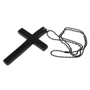 Schwarze-Metall-Perlen-Halskette-mit-Holzkreuz-Anhaenger-B9T5