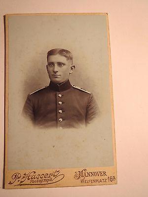Freundschaftlich Hannover - Soldat In Uniform - Portrait / Cdv