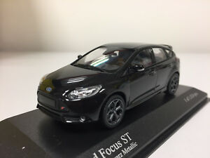 Minichamps-Ford-Focus-st-2011-Negro-Metalico-1-43-410081000