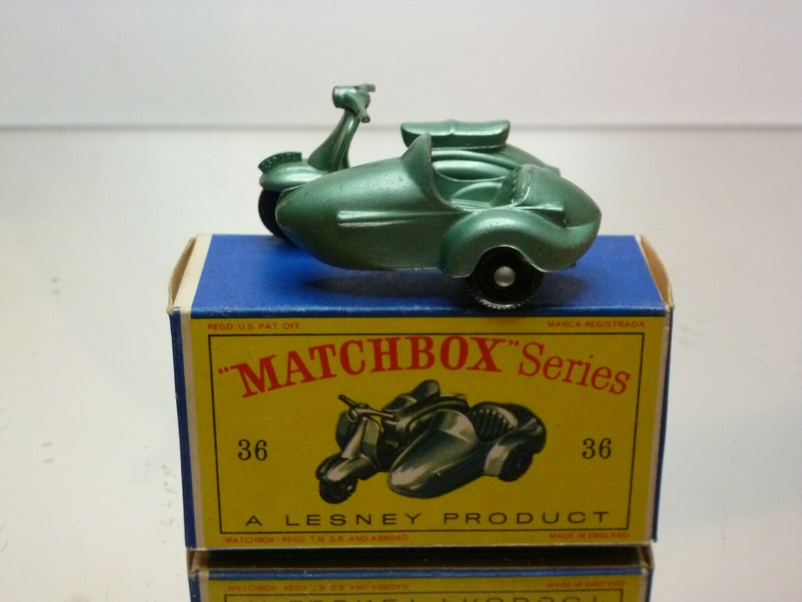 LESNEY MATCHBOX 36 MOTOR SCOOTER AND SIDE CAR - Grün METALLIC- VERY GOOD IN BOX