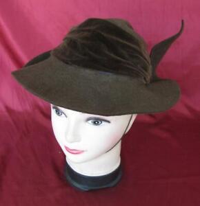 VINTAGE-1920s-LADIES-BROWN-VELVET-HAT