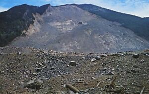 Giant-Landslide-Hope-BC-Hope-Princeton-Highway-Vintage-Postcard-D10c