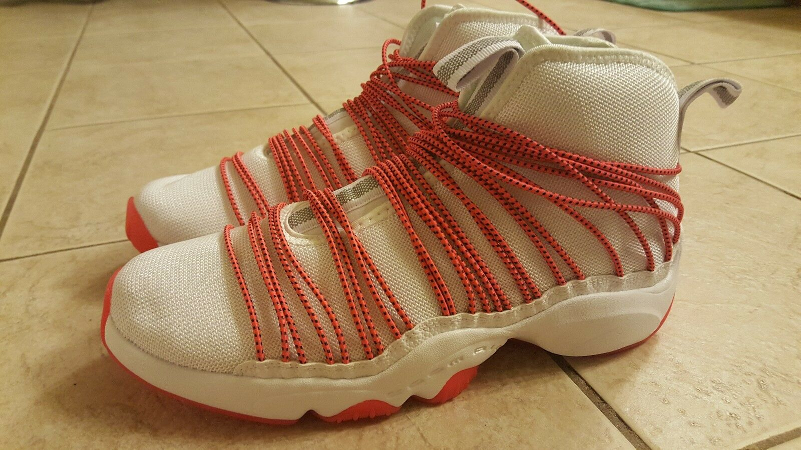Brand New Nike Air Zoom Cabos Sneakers, Men's size 10, White Red, 845058-100