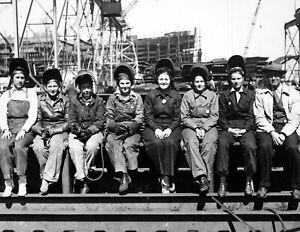 1943-Women-Welders-During-WWII-Vintage-Photograph-8-5-034-x-11-034-Reprint