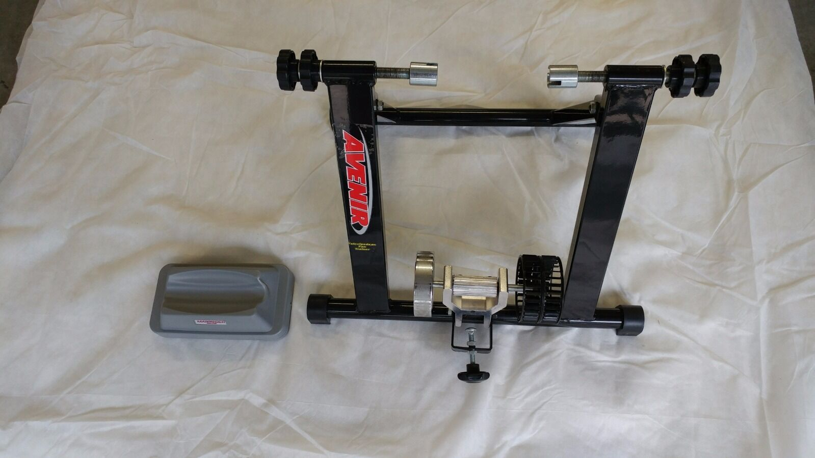 Bicycle wind trainer  with wheel risor  no hesitation!buy now!
