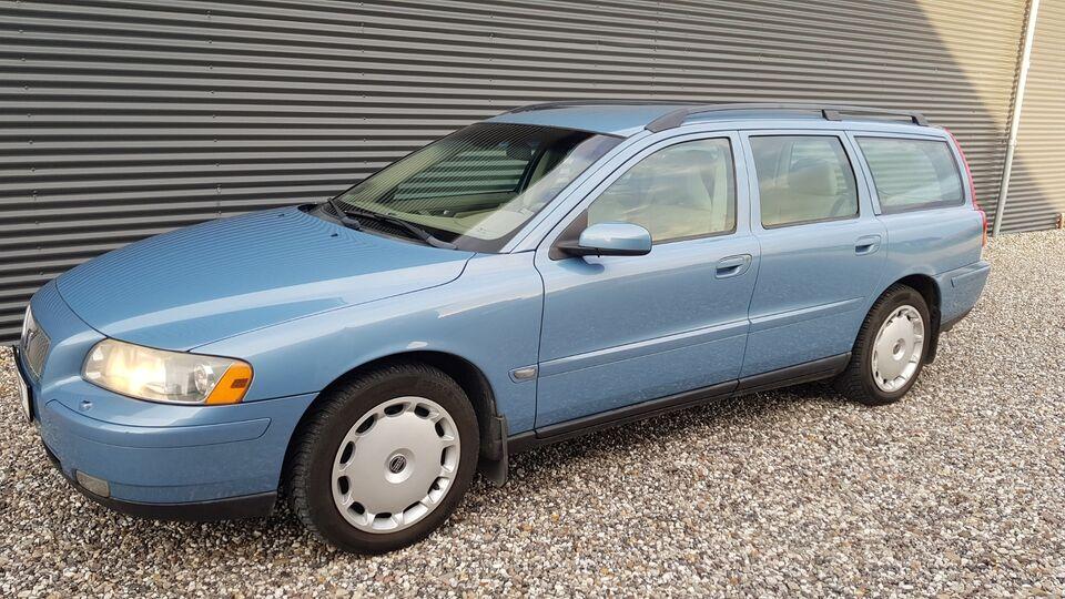 Volvo V70 2,4 170 Momentum Benzin modelår 2006 km 272000