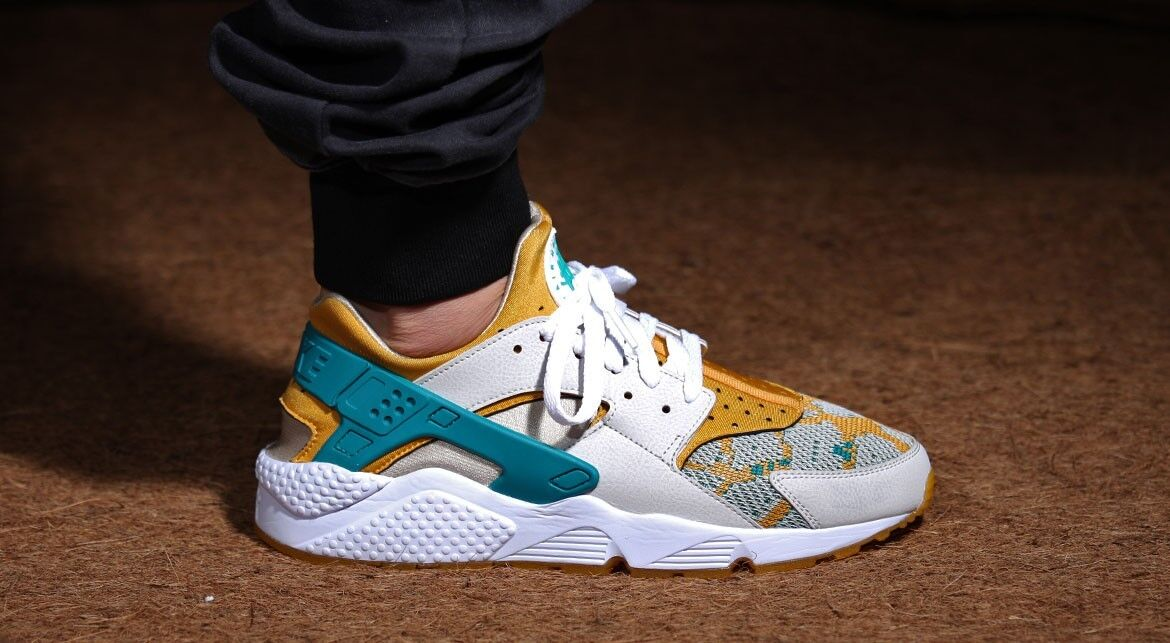 finest selection 3cf2f 494d7 ... good nike air huarache and courir pa light bone and huarache radiant  emerald 2a1d37 d5587 da650