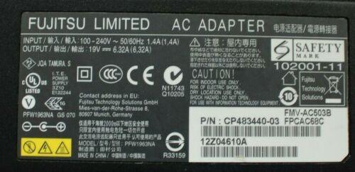 6.32A Original Fujitsu Limited AC Adapter PFW1963NA  Netzteil 19V