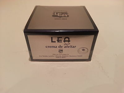 Lea CLASSIC shaving cream soap in a large 150gr metal jar UK stock