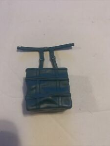 Star-Wars-Power-of-the-Force-Yoda-Trainer-Backpack-Kenner-1995