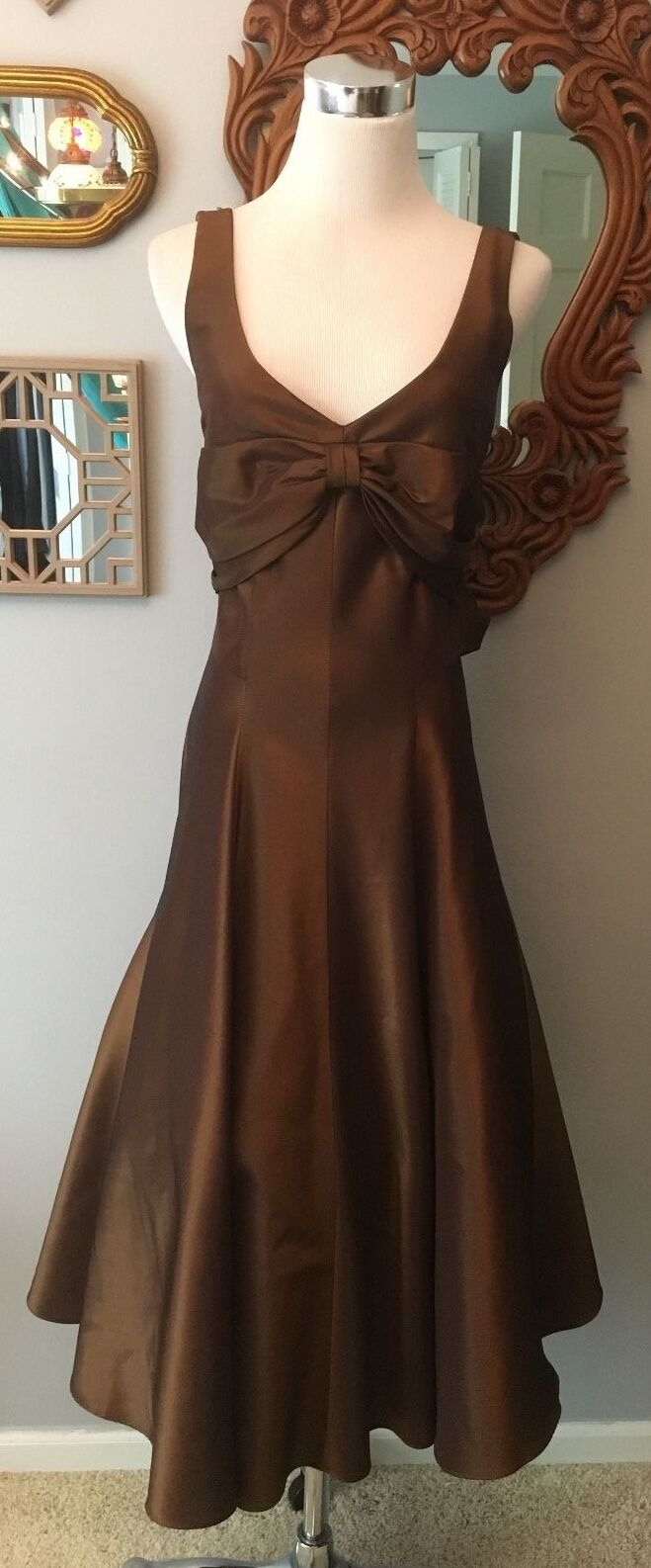 NICOLE MILLER BROWN KNEE LENGTH GOWN SIZE 4 PERFECT CONDITION