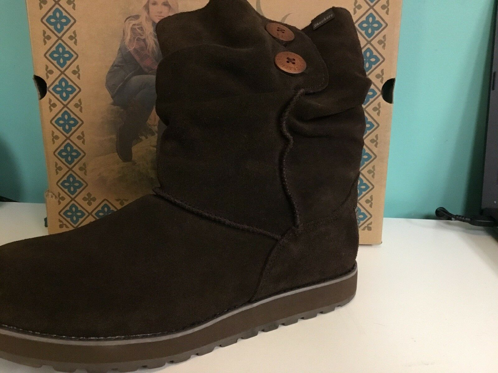 New Skechers Women's Keepsakes Freezing Temps Choc Size 9.5