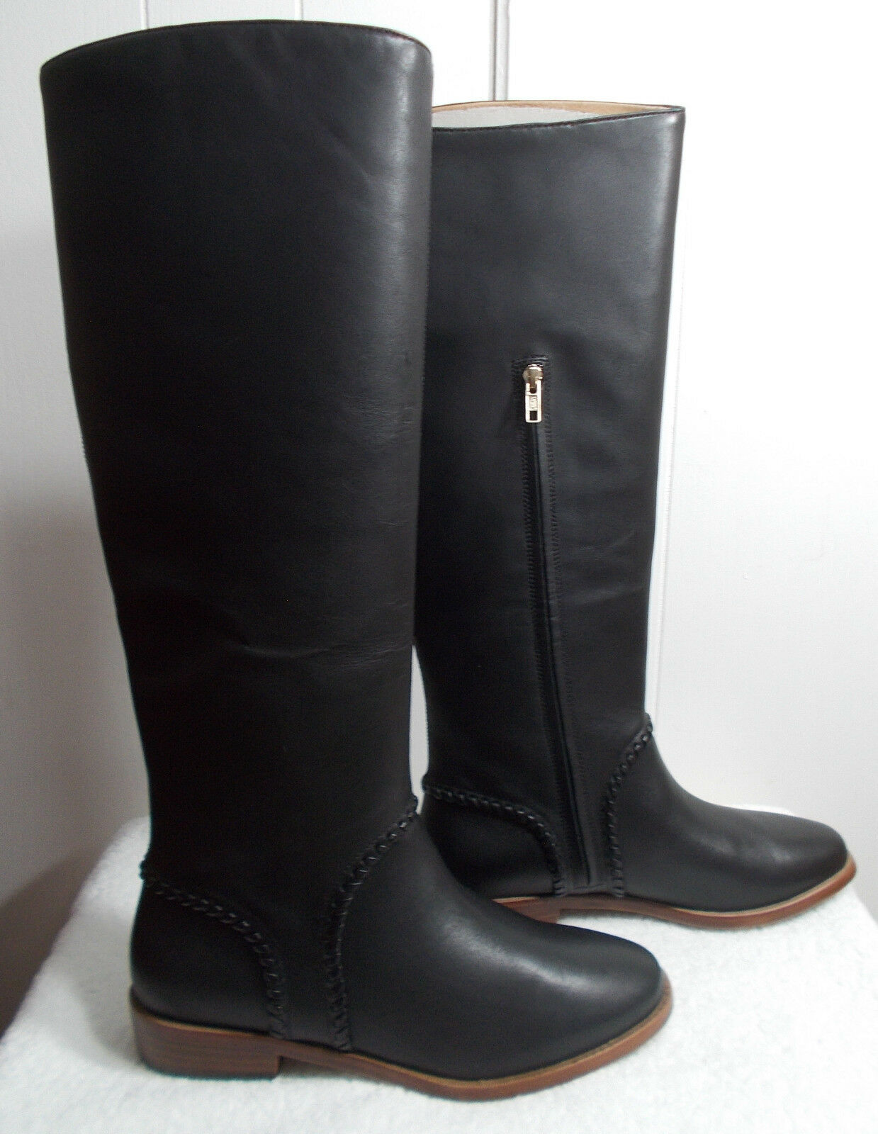 27e17c6f3c7 Womens UGG Gracen Black Leather Whipstitch BOOTS Size 9 Style 1019086