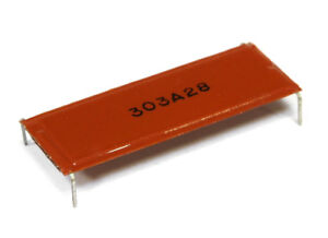 303A28-Decoupling-Capacitor-Entkopplungskondensator-4-Pin-DIP-28-34-8x14-8-NOS