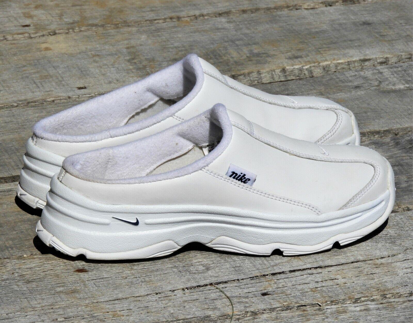 Nike Women's 7.5 Chunky Heel shoes Nurse Slipons 304582 White Leather 08 2006