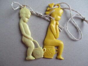 DDR-farbige Spielzeug ANHÄNGER - zwei FIGUREN - Junge+Mädchen Farbe:gelblich - Deutschland - DDR-farbige Spielzeug ANHÄNGER - zwei FIGUREN - Junge+Mädchen Farbe:gelblich - Deutschland