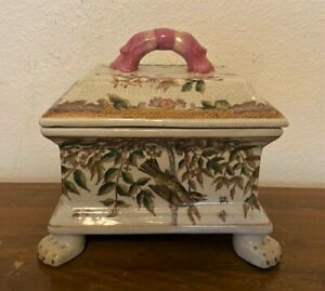 Vintage-Antique-Chinese-Porcelain-Footed-Trinket-Box-with-Paw-Feet