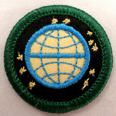 Girl Scout 1980-2001 Junior WORLD Of The ARTS DABBLER BADGE Globe Patch