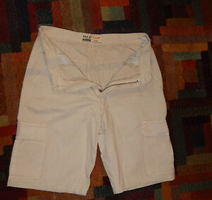 frau-hosen-Women-cargo-shorts-pants-high-waist-cream-many-pockets-size-EU-40-S