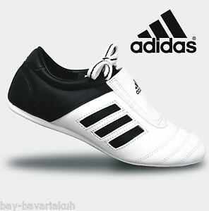 Details zu ADIDAS® Schuhe Trainingsschuhe Taekwondo Sneaker Kickboxen Karate Judo Kung Fu