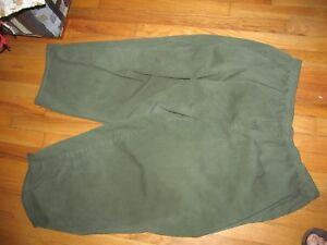 3e766560c1a Women s Cabin Creek Green Elastic Waist Cropped Capri s Size 30 W ...