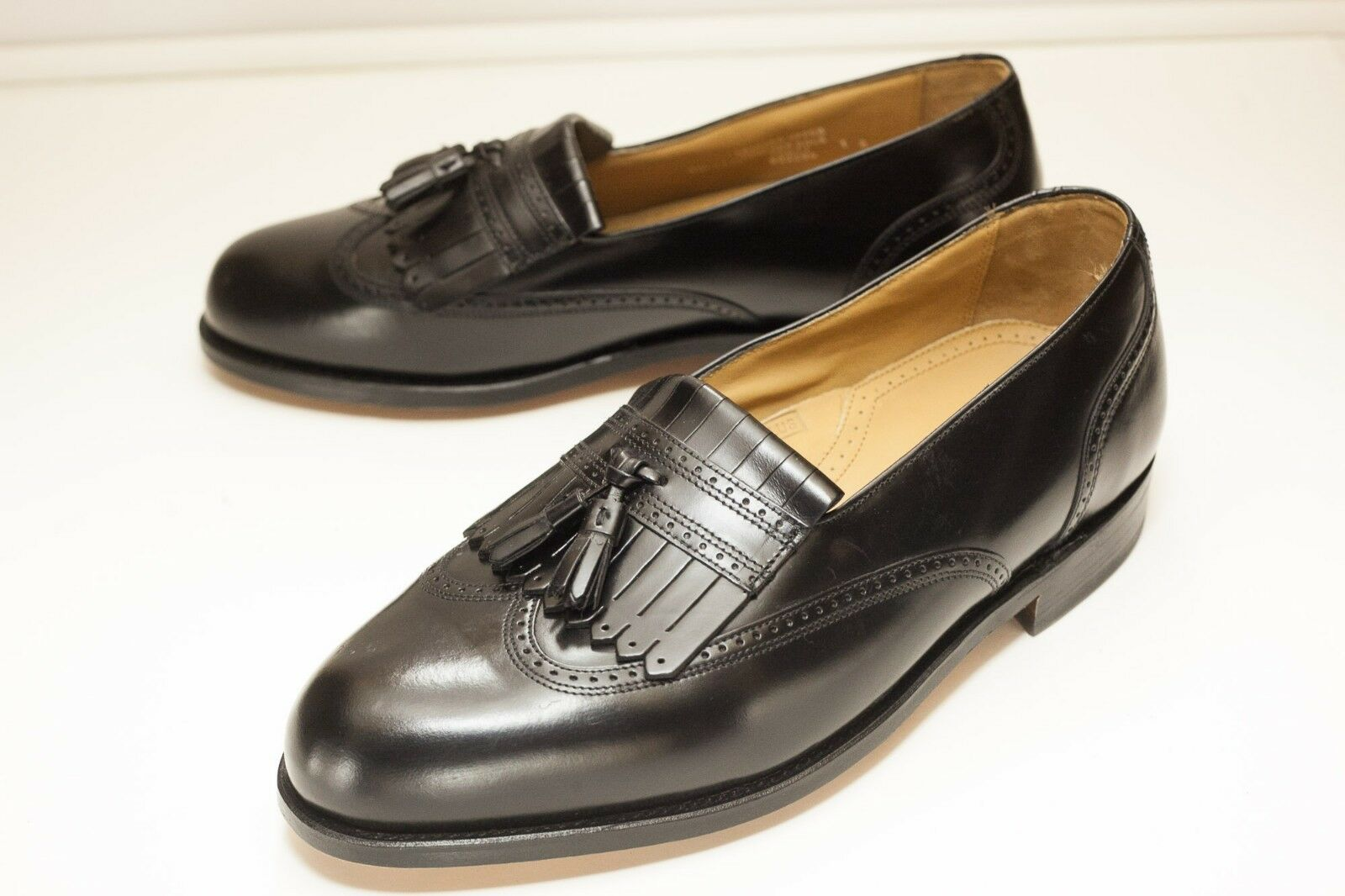 Stafford 9.5 EEE Black Tassel Loafers Men's Dress shoes