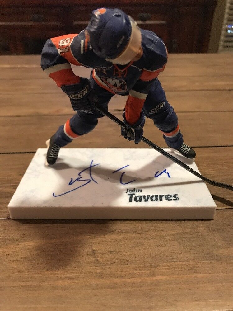 JSA authenticatedsigned John Tavares Mcfarlane NHL Serie 24 figura Autografiado