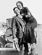 ANTIQUE 8X10 REPRINT PHOTO OF FAMED GANGSTERS BONNIE AND CLYDE WITH A CAR
