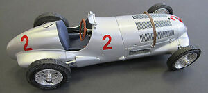 Mercedes-Benz-W125-1937-GP-Donington-2-Ltd-Ed-of-1000-by-CMC-M-114