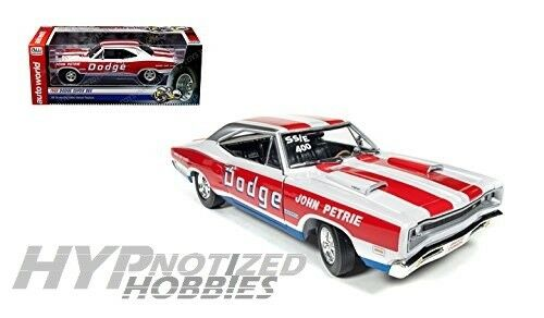 AUTO WORLD 1 18 18 18 1969 DODGE SUPER BEE JOHN PETRIE DIE-CAST RED AW222 13d55b