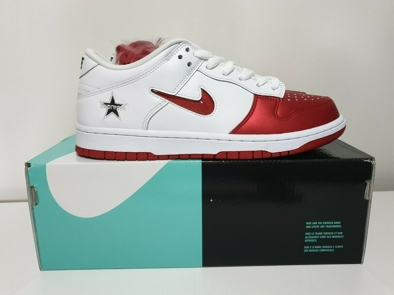 Sneakers, Nike Supreme Dunk, str.