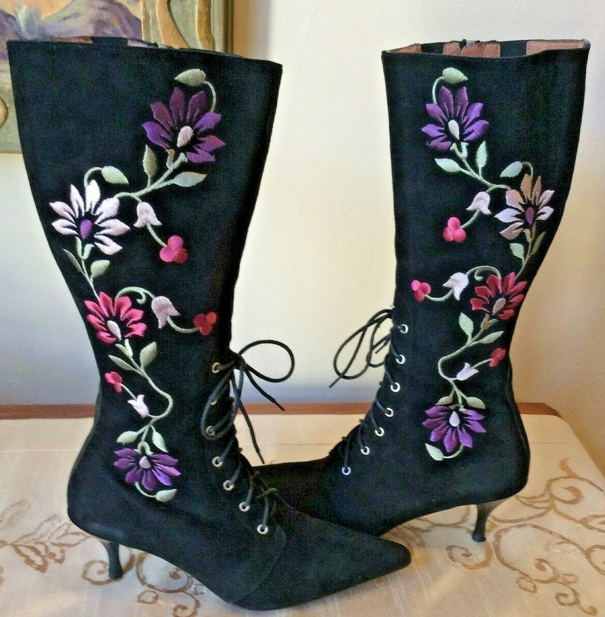 Donald Pliner Boots Women's Size 6 Suede Black Embroidered Lace Up Ruzyne Floral
