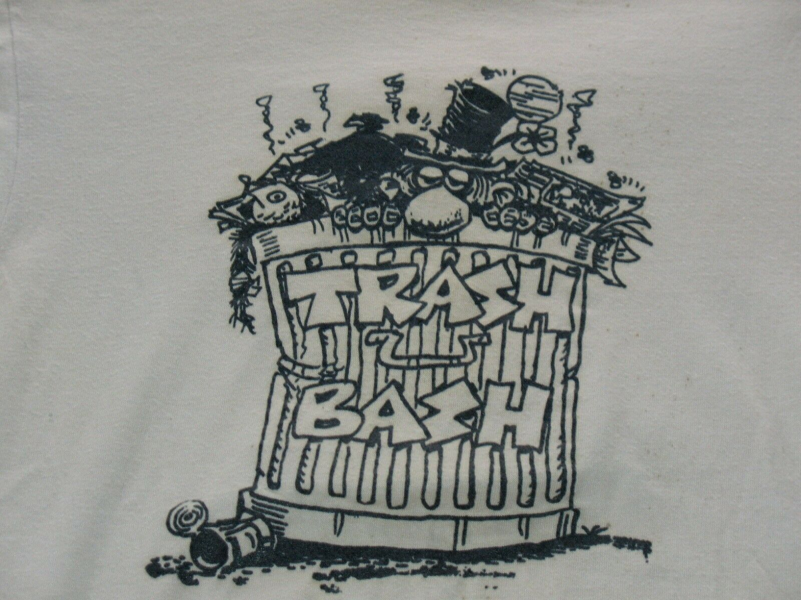 1980s TRASH BASH ~ SMALL T-SHIRT ~ HANES FIFTY FIFTY ~ USED