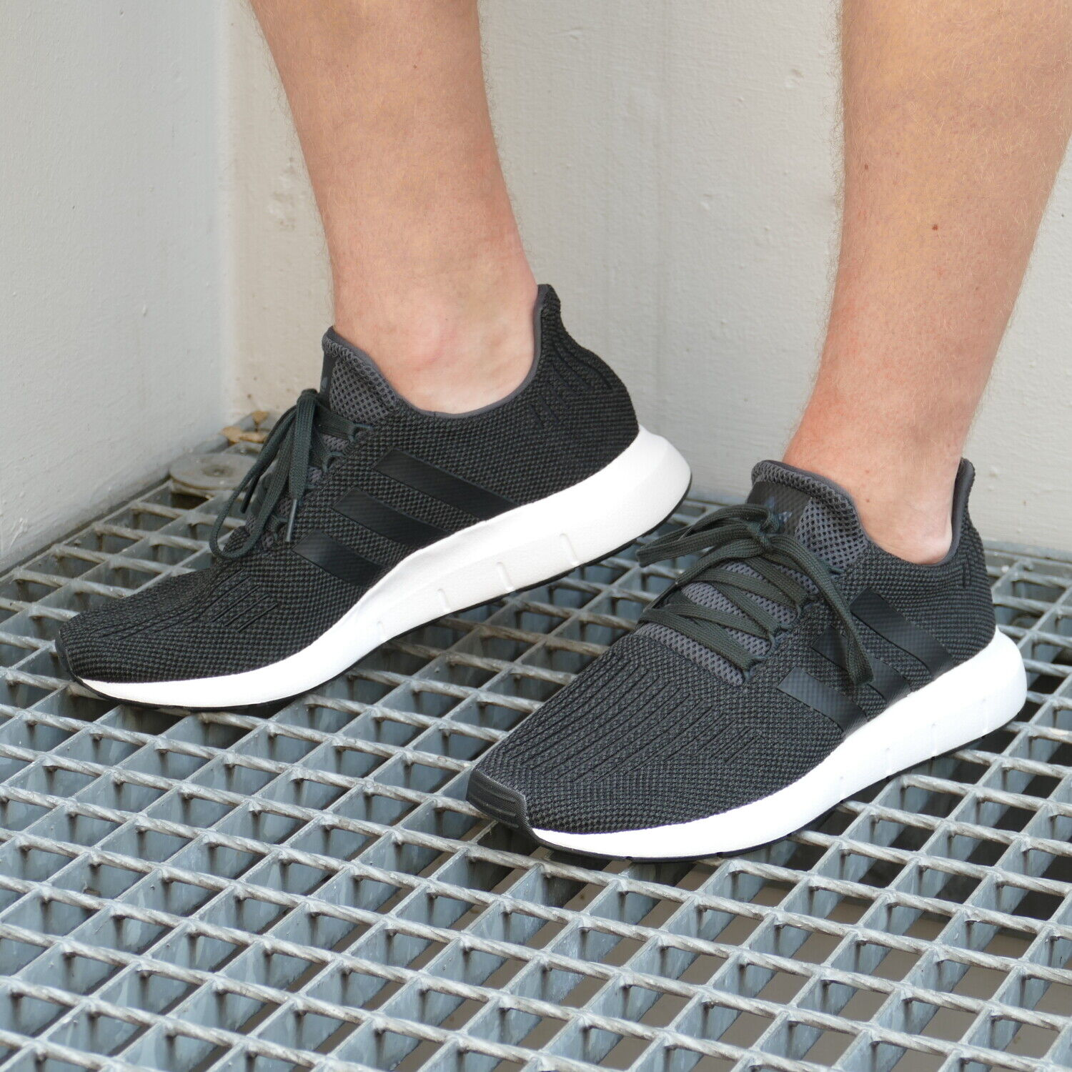 Adidas Swift Run Originals Turnschuhe Schuhe Herren Dunkelgrau CQ2114