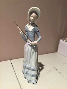 Retired Lladro Figurine Aranjuez Lady 4879 Missing Parasol Umbrella