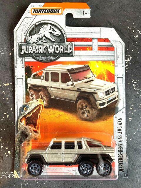 Matchbox  Jurassic World   93 Jeep Wrangler #9     New in Box  2017