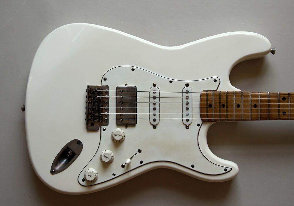 Nobrand SSH (Fender '64) Stratocaster