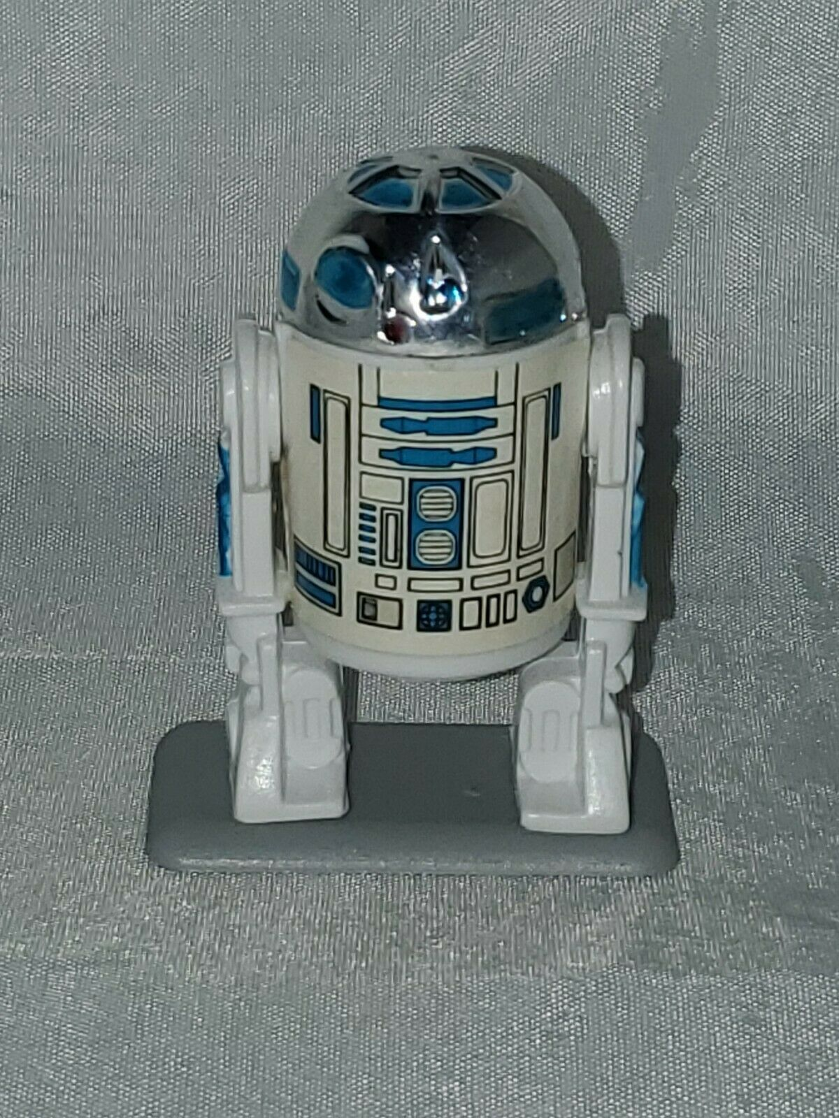 R2 - D2, 1977 st12 and 1977 TF