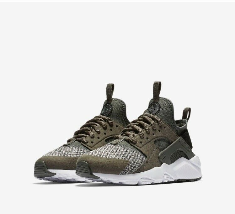 Nike Olive Green Huaraches  Cheap and fashionable