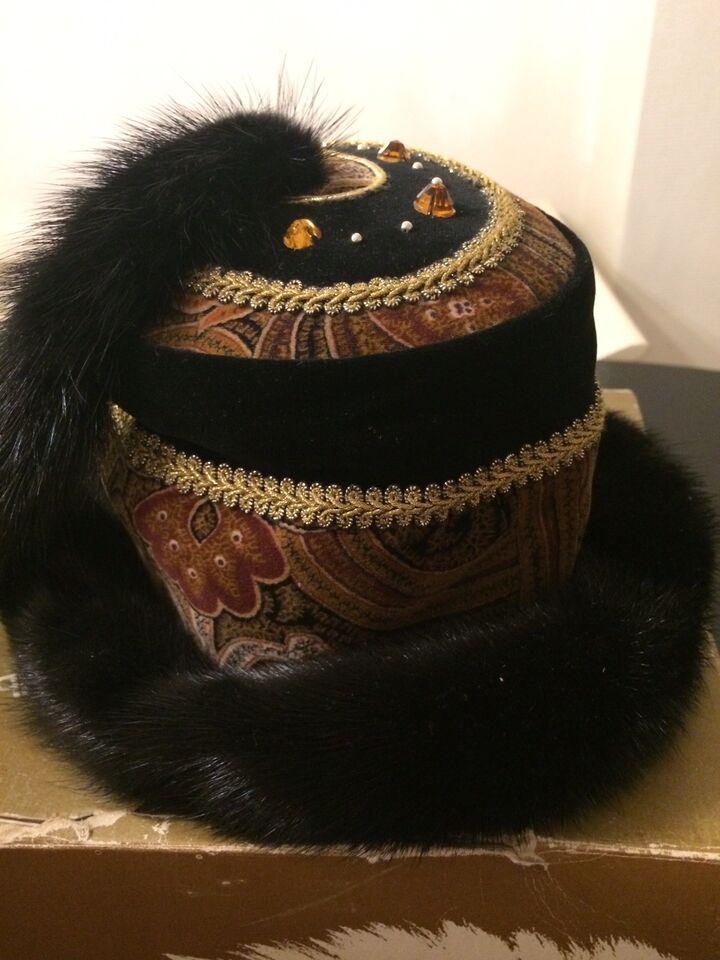 Hat, Super unik og smukt forarbejdet minkhat , Ingeborg