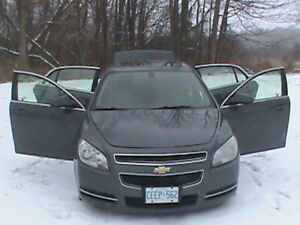 2009 CHEVY MALIBU IMMACULATE CONDITION LOW LOW KM