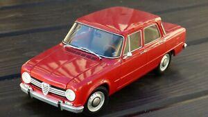 Rara-ROJO-ROSSO-Farina-1-18-Alfa-Romeo-Giulia-1300-TI-Minichamps-Coche-Modelo-de-juguete