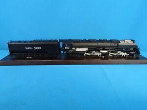 Marklin-39911-US-Locomotive-with-Tender-br-3900-UP-CHALLENGER-MFX-DIGITAL-NEW