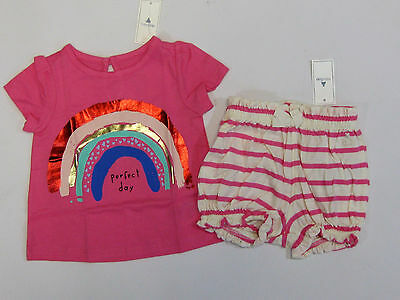 NWT Baby Gap Girls 3-6 Months Pink Ruffle Top /& Blue Heart Bubble Shorts Outfit