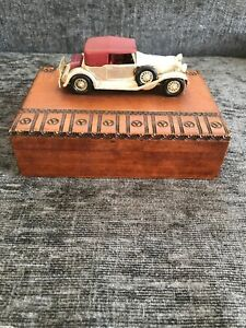 Vintage-Matchbox-Lesney-Models-of-Yesteryear-1930-s-MG-Auburn-wooden-box-70s