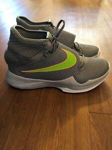 Hyper Nike Größe Basketballschuh Rev 12 Neuer SP0q5xw5