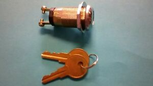 Audiovox-replacement-key-lock-with-dust-cover-and-keys