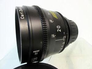 Arri-Zeiss-20mm-Ultra-Prime-Distagon-T1-9-Lens-Arriflex-Feet-Scale